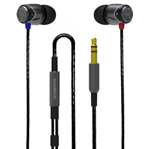 1.SoundMagic E10VBK