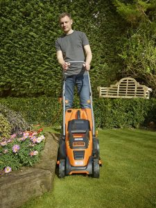 2.Black&Decker EMAX34I-QS
