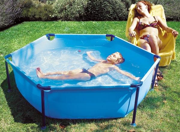 La mejor piscina para ninos comparativa guia de compra for Que piscina puedo poner en una terraza