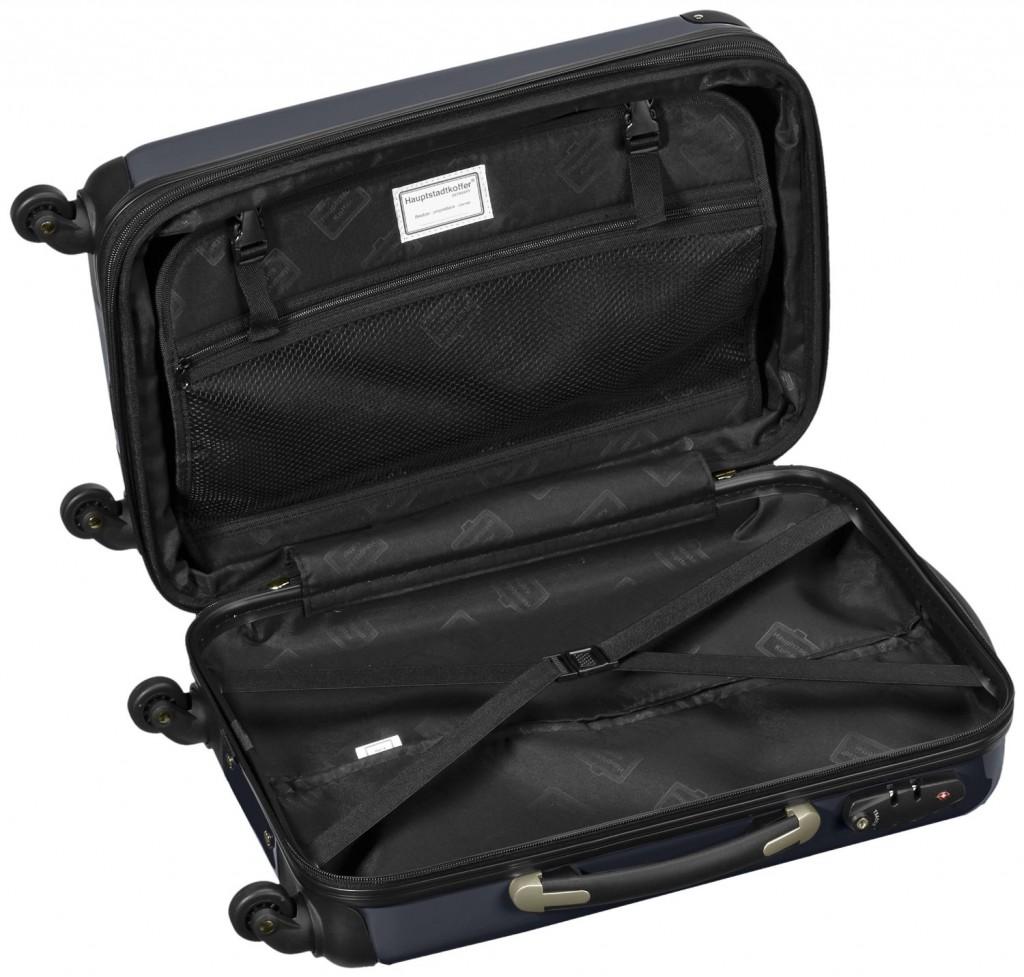 maleta de cabina con diferentes compartimentos abierta