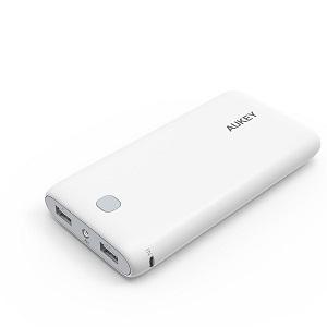 1.Aukey Batería Externa 20000mAh