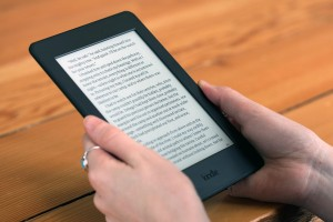 2.Kindle Paperwhite