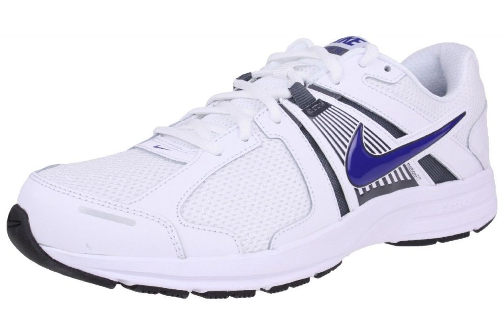 ea63b7eacc0eb Nuestras candidatas a las mejores zapatillas de running para hombre baratas  son este modelo de Nike. Podemos decir que estas zapatillas de Nike son  ideales ...
