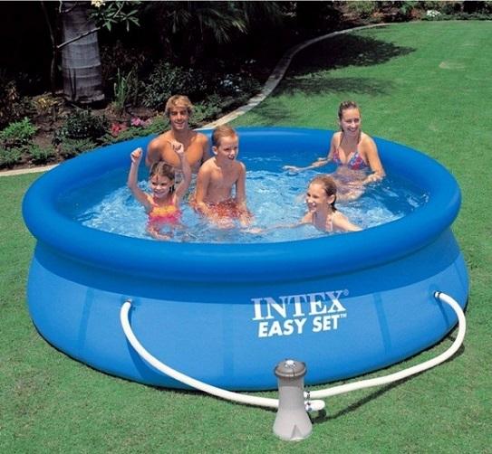 piscina hinchable limpia